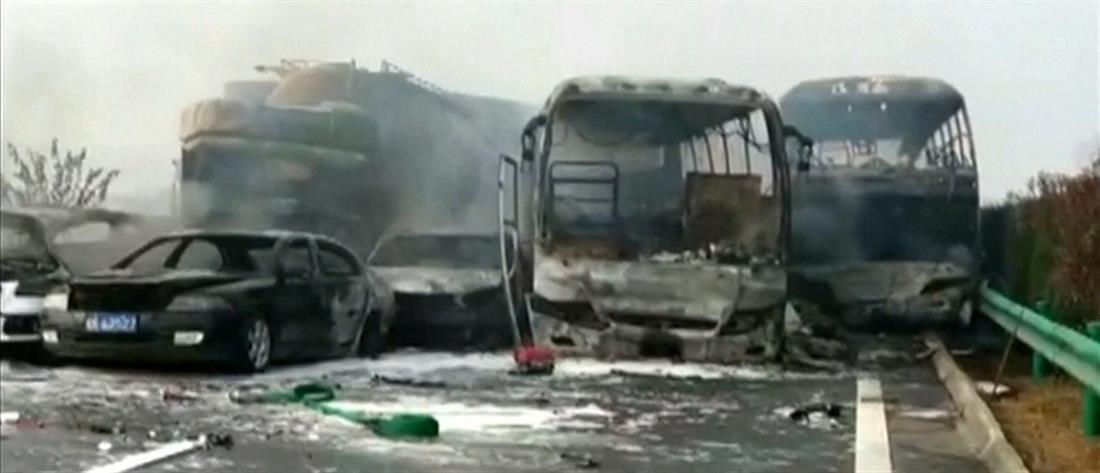 Καραμπόλα 22 αυτοκινήτων με 8 νεκρούς