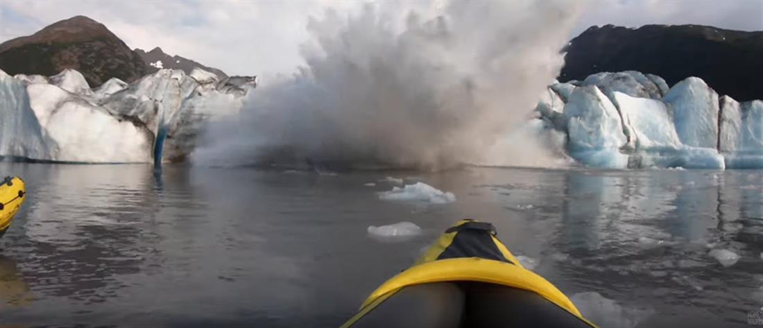Έκαναν βόλτα με καγιάκ και κατέρρευσε δίπλα τους… παγόβουνο (βίντεο)