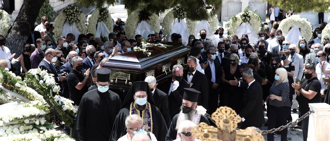 Κωνσταντίνος Μίχαλος: Θλίψη στην κηδεία του (εικόνες)