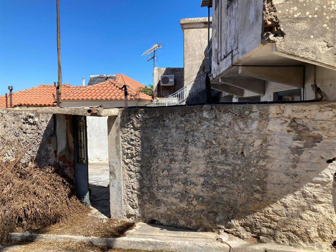 Άνω Πόλη Κυπαρισσίας - πτώμα - τσιμέντο