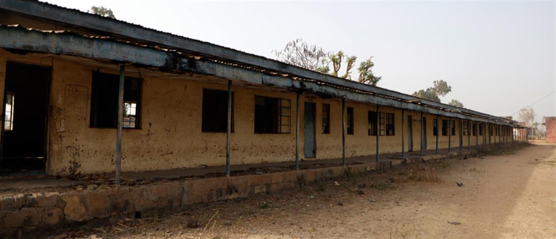 Δεκάδες παιδιά έχασαν τη ζωή τους μετά από φωτιά σε σχολικά κτίρια