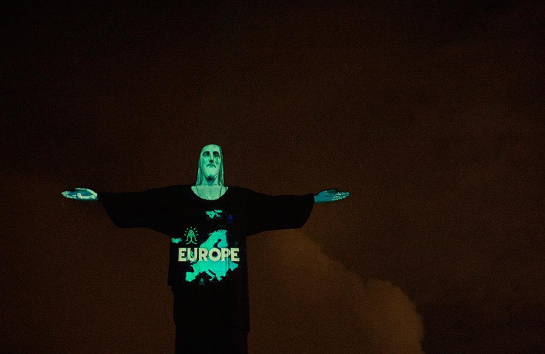 Βραζιλία: Άγαλμα Χριστού - σημαίες - κορονοϊός