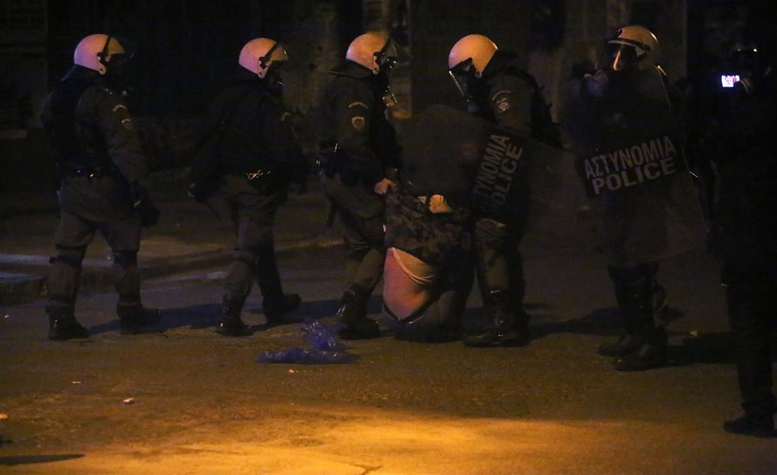 συλλήψεις - επεισόδια - Εξάρχεια - ΜΑΤ