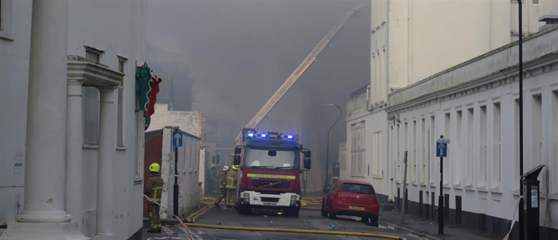 """""""Κόλαση"""" φωτιάς σε ξενοδοχείο στην Βρετανία (βίντεο)"""