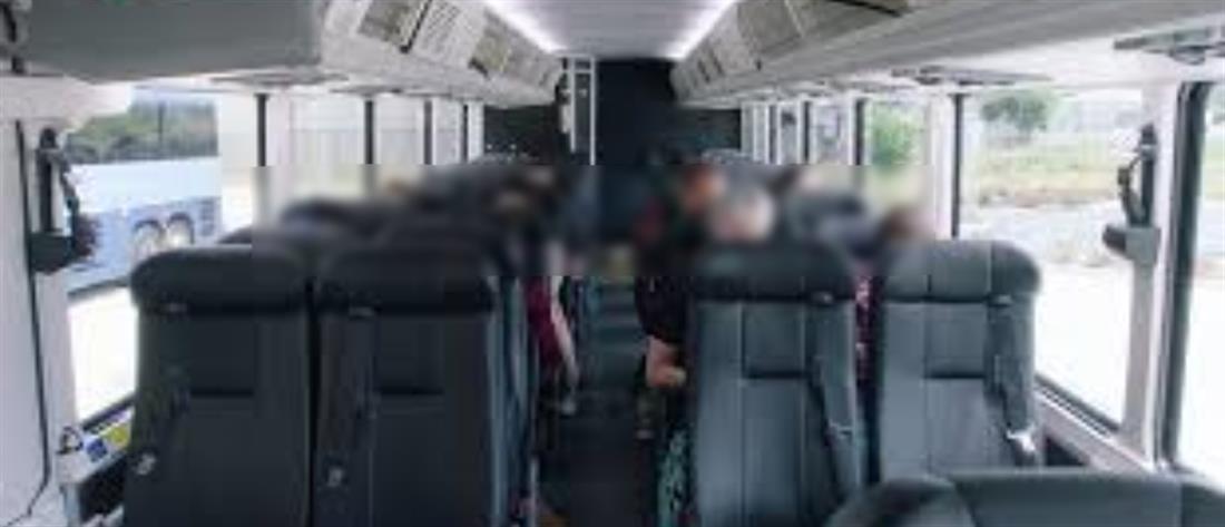 Οδηγός του ΚΤΕΛ ανάγκασε κορίτσι να καθαρίσει το λεωφορείο που λέρωσαν φίλοι του!