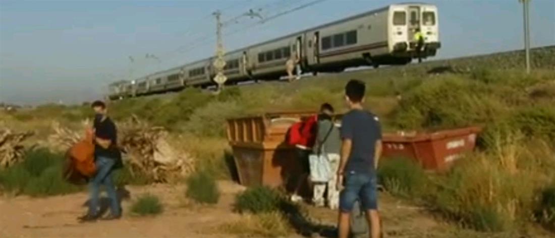 """Ισπανία: τρένο """"έλιωσε"""" αυτοκίνητο (εικόνες)"""