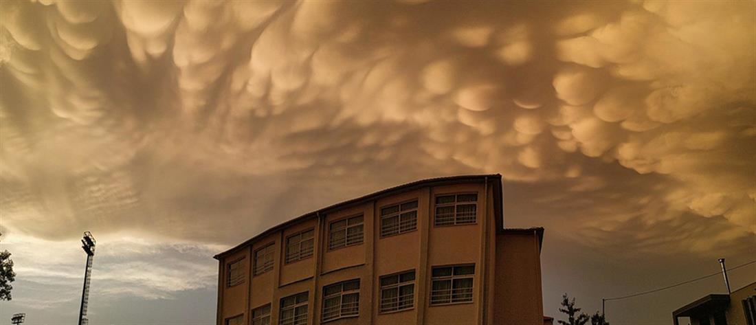 Λάρισα: Σύννεφα Mammatus κάλυψαν τον ουρανό (βίντεο)