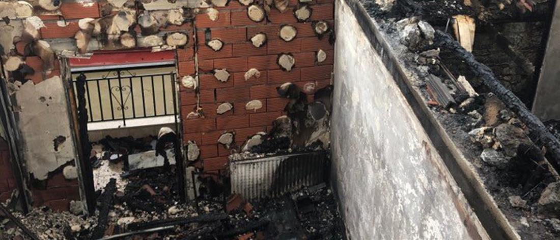 Στις φλόγες σπίτια στη Νάουσα (εικόνες)