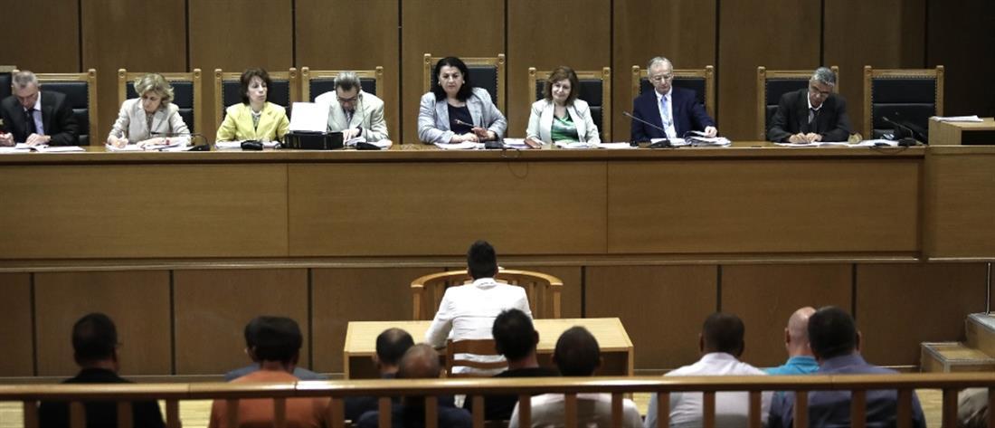 Δίκη Χρυσής Αυγής: απειλούσαν τη ζωή μου αν δεν καταθέσω ότι μου ζήτησαν δήλωσε κατηγορούμενος