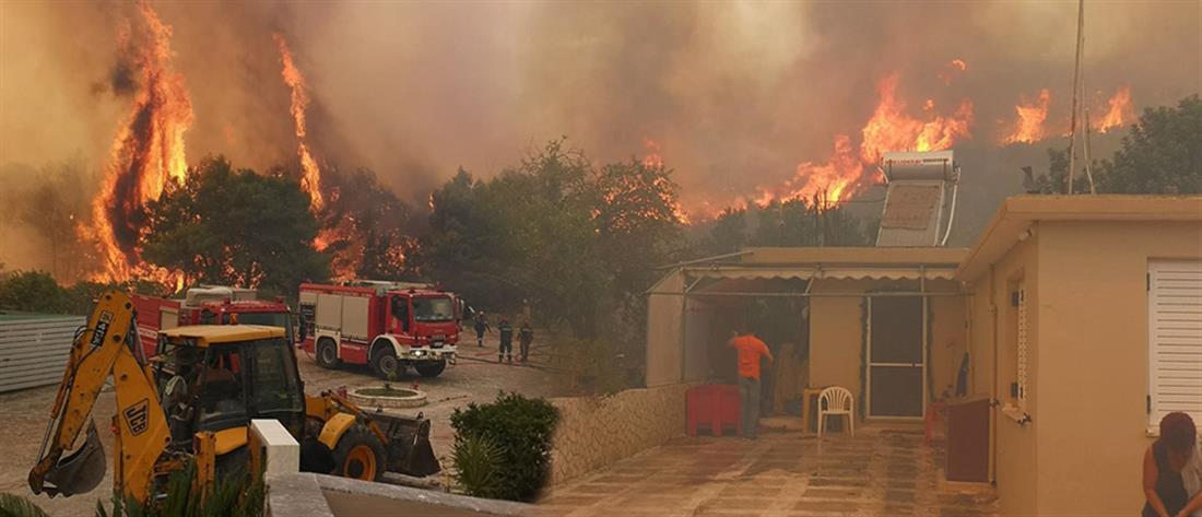 Ανεξέλεγκτη η μεγάλη φωτιά στη Ζάκυνθο (εικόνες)