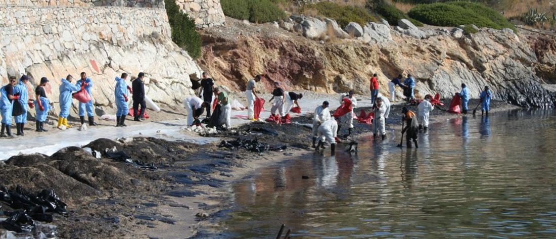 Κυβέρνηση: πιο καθαρές από όσο ήταν πριν την μόλυνση οι ακτές του Σαρωνικού