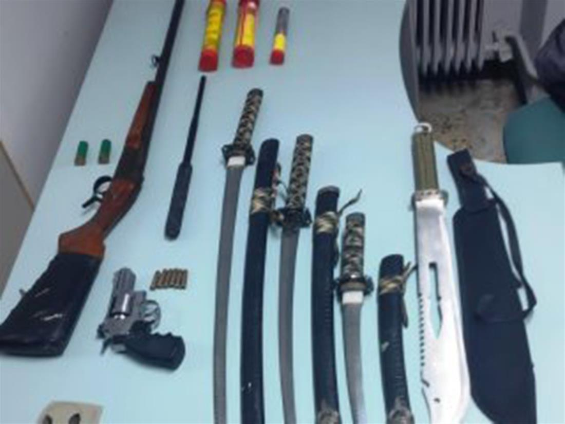 σύλληψη - 36χρονος - ένοπλες ληστείες - καταστήματα - Πειραιάς