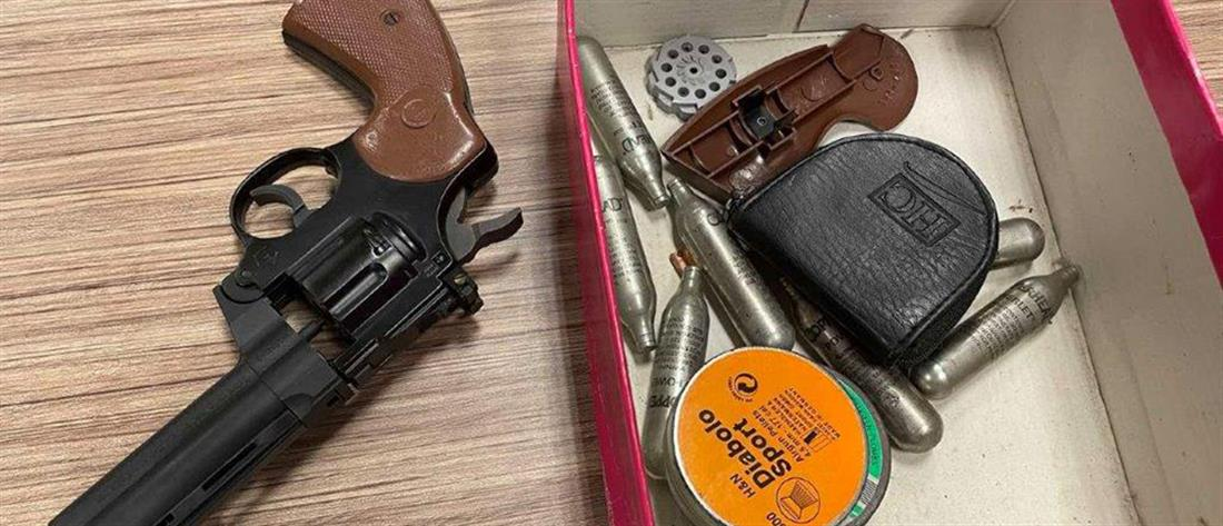 Πυροβολισμοί στην Αλεξάνδρας: κατηγορούμενος έβγαλε όπλο σε αστυνομικούς (εικόνες)