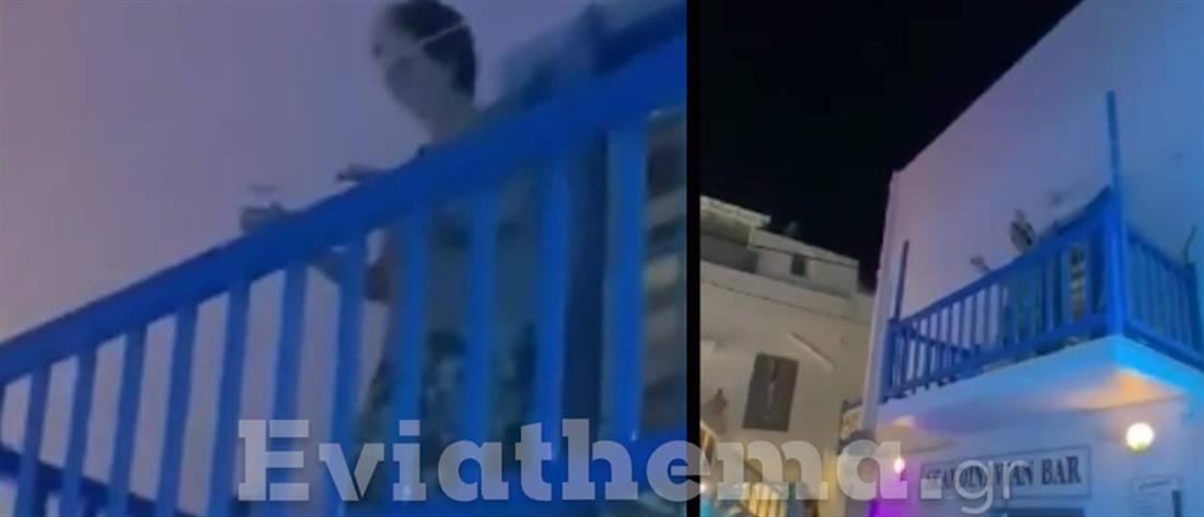 Μύκονος - Viral βίντεο: Γιαγιά ξεφαντώνει από το μπαλκόνι της με μουσική από κορονοπάρτι