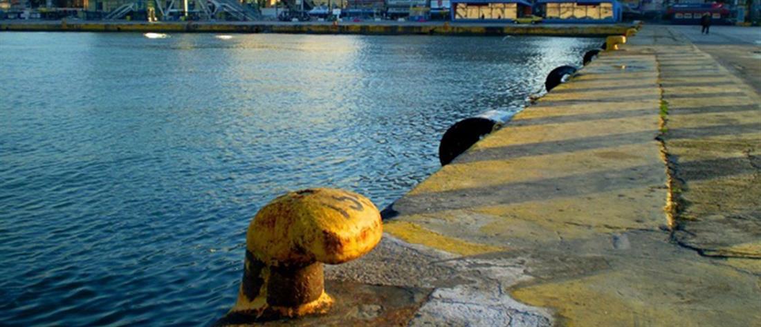 Θρίλερ με νεκρό στο λιμάνι του Πειραιά