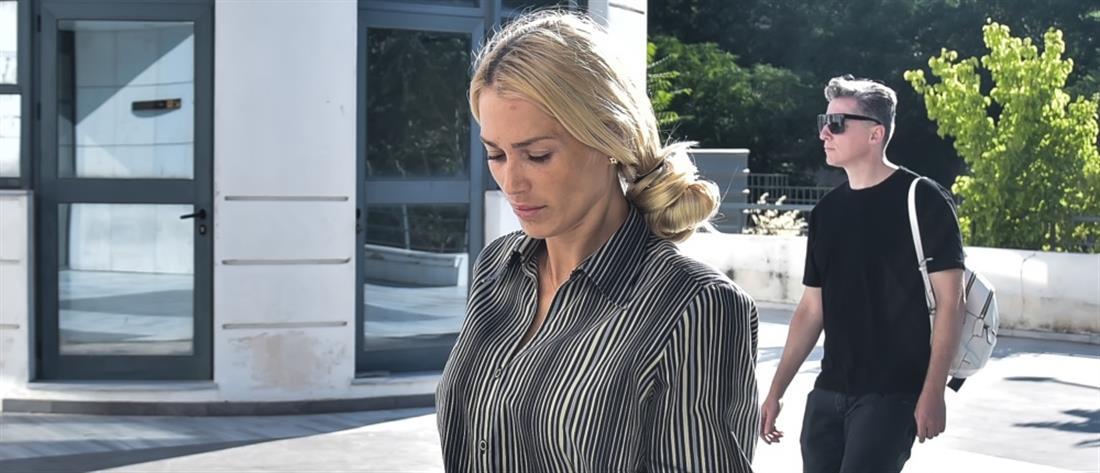 Δολοφονία Μακρή: Ξέσπασε η Βικτώρια Καρύδα στο δικαστήριο