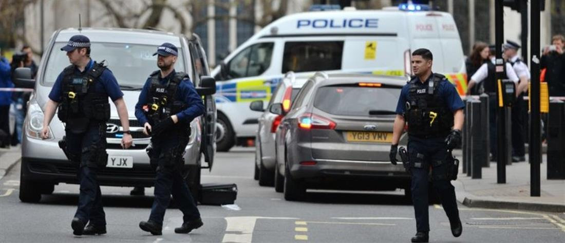 Άνδρες της Αντιτρομοκρατικής πυροβόλησαν γυναίκα στο Λονδίνο (βίντεο)