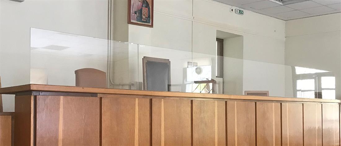 """Κορονοϊός: """"Καμπανάκι"""" για τη διασπορά του ιού στα δικαστήρια"""