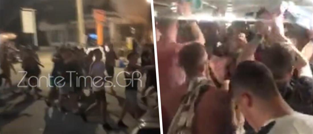 """Κορονοϊός - Ζάκυνθος: Βρετανοί τουρίστες """"ξεσαλώνουν"""", αψηφώντας τα μέτρα (βίντεο)"""