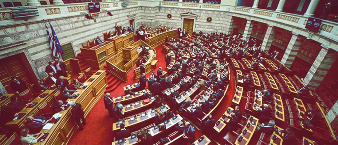 """Ένταση στη Βουλή για την 7ήμερη εργασία και το """"άβατο"""" στα Εξάρχεια"""