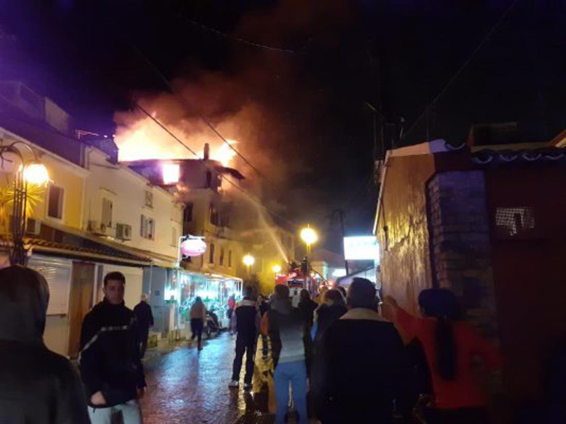 Φωτιά - Κέρκυρα