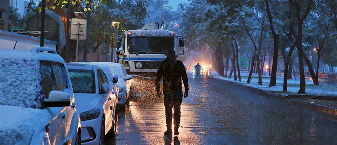 Βαγδάτη: χιόνισε για δεύτερη φορά μέσα σε έναν αιώνα! (εικόνες)