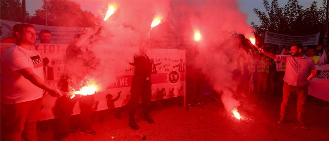 Με πυρσούς και κόρνες η πορεία των ένστολων στην Θεσσαλονίκη (βίντεο)