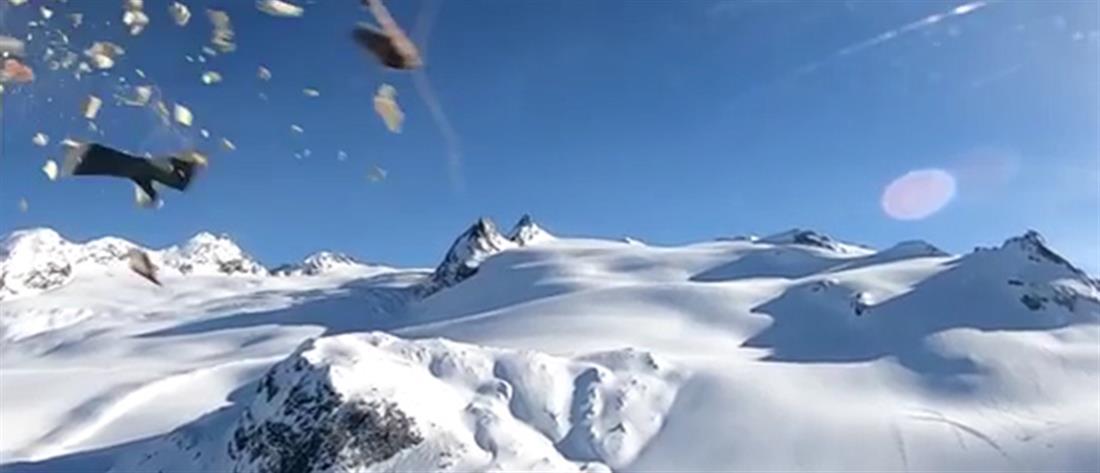 Η σοκαριστική στιγμή της σύγκρουσης αεροπλάνου με ελικόπτερο στις Άλπεις (βίντεο)