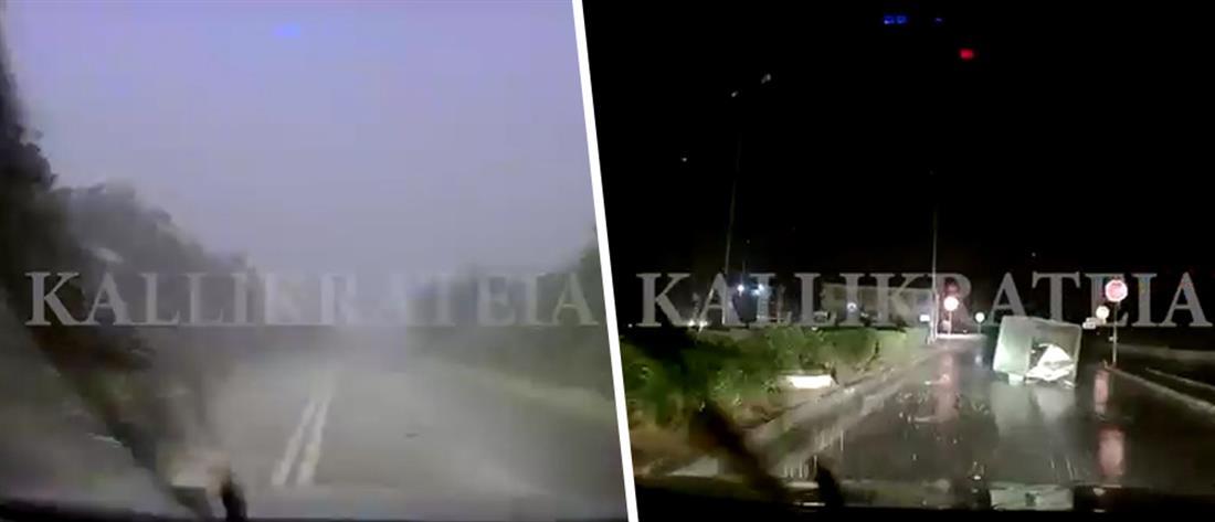 Η στιγμή που η φονική καταιγίδα χτυπάει αυτοκίνητο (βίντεο)