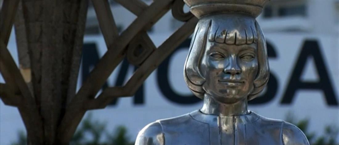 Έκλεψαν άγαλμα της Μέριλιν Μονρό (βίντεο)