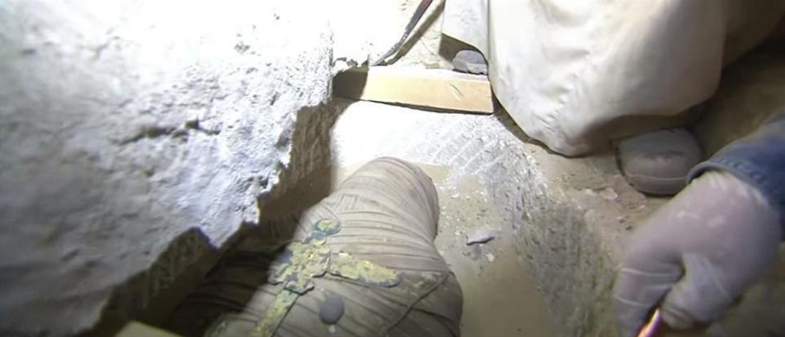 Αίγυπτος: συγκλονιστική αποκάλυψη σαρκοφάγου σε ζωντανή μετάδοση (βίντεο)