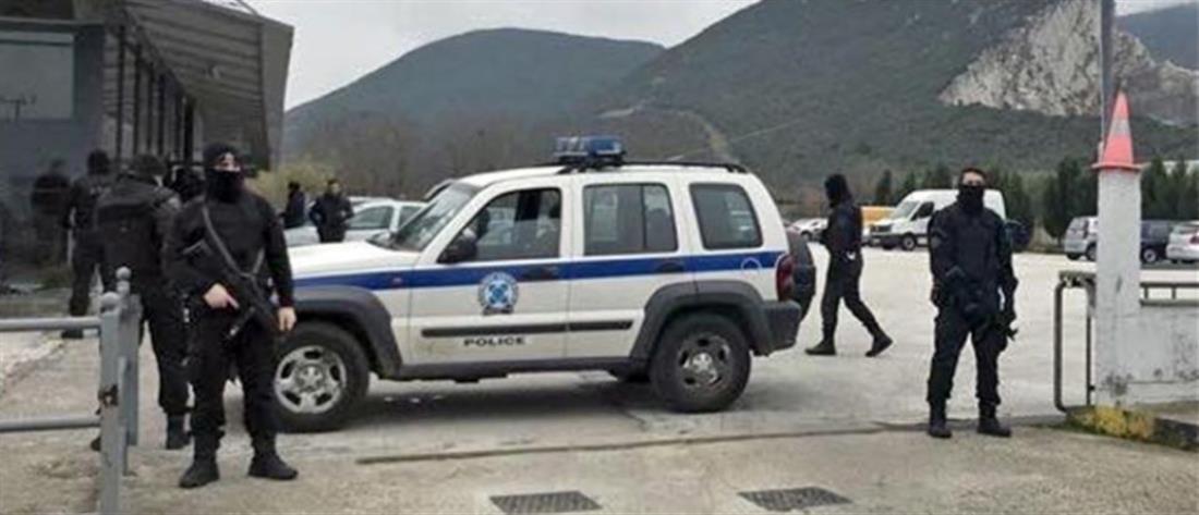 Μεγάλη αστυνομική επιχείρηση σε αντιπροσωπεία ΙΧ: Σκάβουν για να βρουν 4,2 εκατ. ευρώ