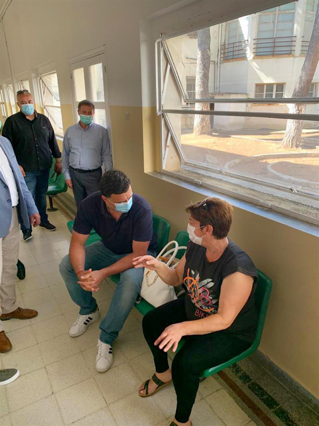 Βασίλης Κικίλιας - νοσοκομείο - Λέρος