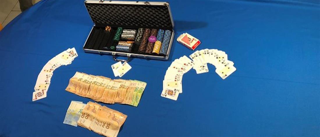 Μίνι καζίνο με δεκάδες παίκτες σε βίλα