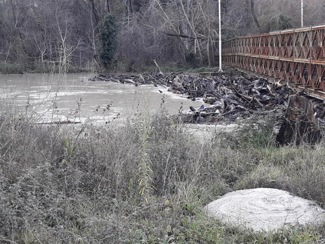 Πλημμύρες - Καλαμάς - Βρυσσέλα
