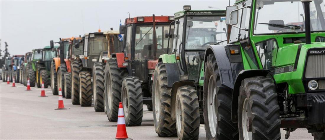 """""""Ζεσταίνουν τις μηχανές"""" για μπλόκα οι αγρότες"""