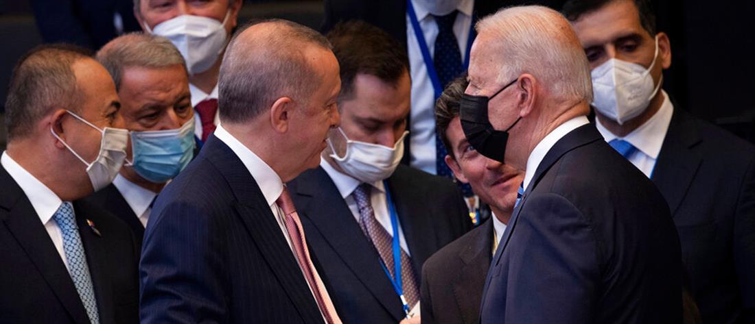 """ΝΑΤΟ: Μπάιντεν - Ερντογάν """"τα βρήκαν"""" στις Βρυξέλλες"""