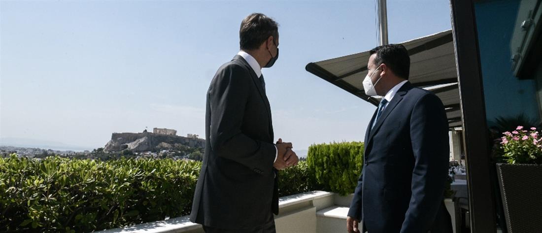 """Μητσοτάκης – Ζάεφ: Δέσμευση για την """"καλή εφαρμογή"""" της Συμφωνίας των Πρεσπών"""