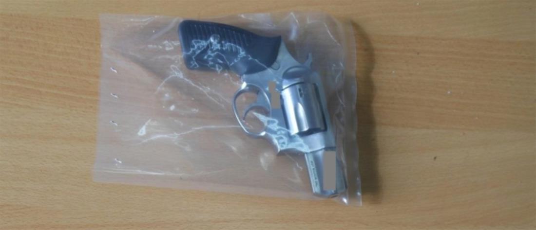 Θεσσαλονίκη: Αστυνομικός ξέχασε το όπλο του σε ζαχαροπλαστείο!