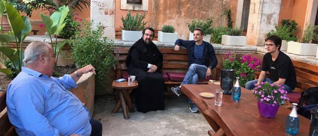 Στα Χανιά ο Κυριάκος Μητσοτάκης – Επίσκεψη στην Μονή Αγίας Τριάδας (εικόνες)