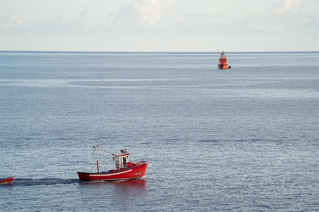 Πλοιάριο - πτώματα μεταναστών - Τενερίφη