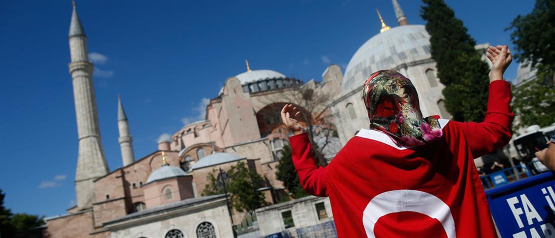 """Αγία Σοφία: """"πυρά"""" Σαλβίνι κατά της Τουρκίας"""