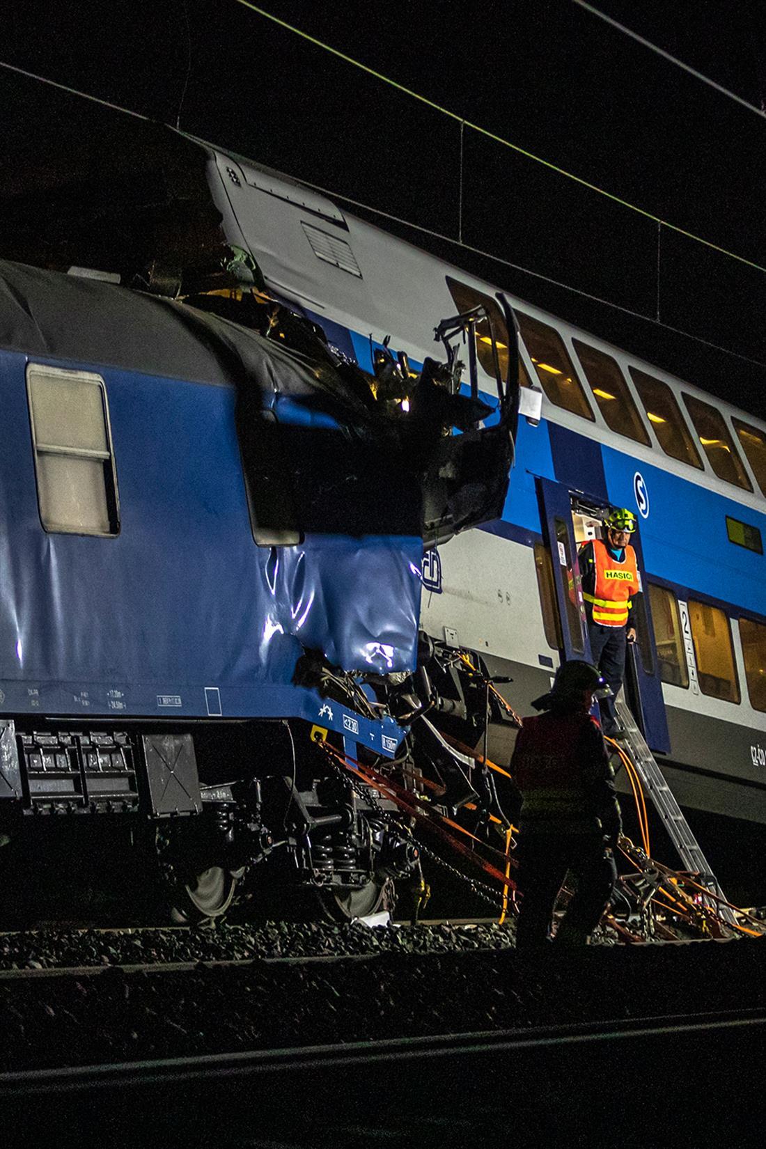 Τσεχία - σύγκρουση τρένου