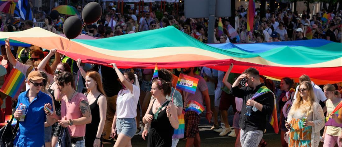 Πολωνία: Πορεία ισότητας στη Βαρσοβία (εικόνες)