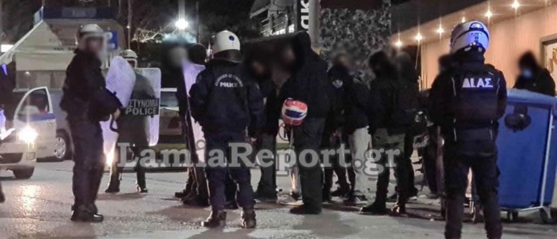 Νοσοκομείο Λαμίας: Συνθήματα για τον Κουφοντίνα και προσαγωγές (βίντεο)