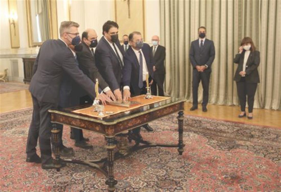 Ανασχηματισμός - Ορκωμοσία Υπουργών