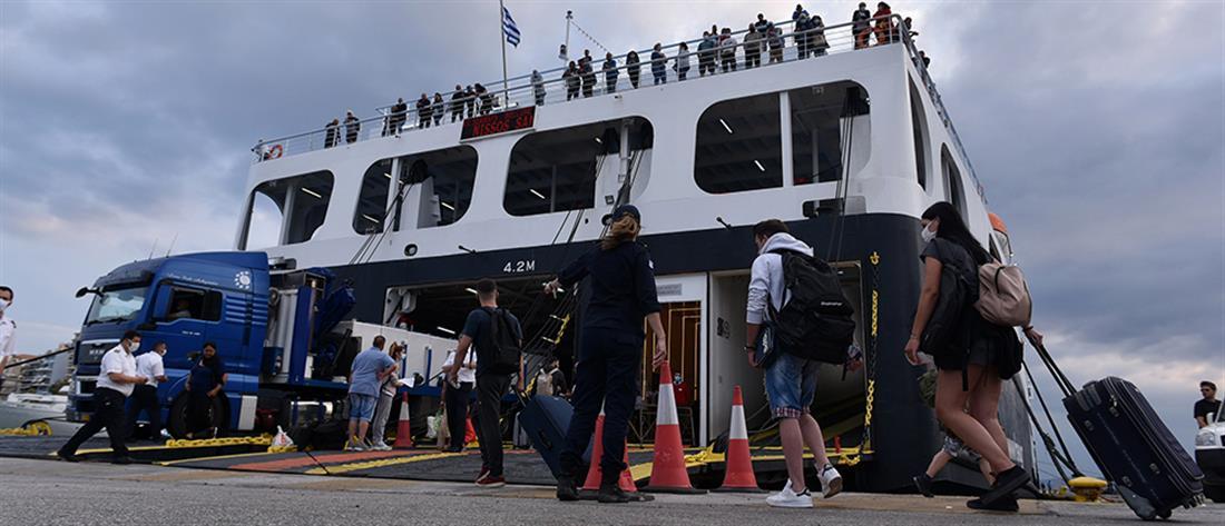 Θεοχάρης στον ΑΝΤ1: Δεν θα αυξηθεί η πληρότητα στα πλοία (βίντεο)
