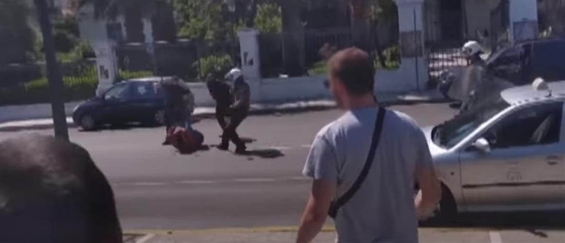 Κόντρα για τον θάνατο άνδρα που είχε καταγγείλει αστυνομική βία (εικόνες)