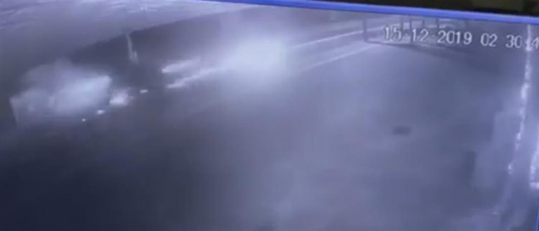 Βίντεο σοκ: Η στιγμή που τροχαίου που στοίχισε τη ζωή νεαρού μοτοσικλετιστή