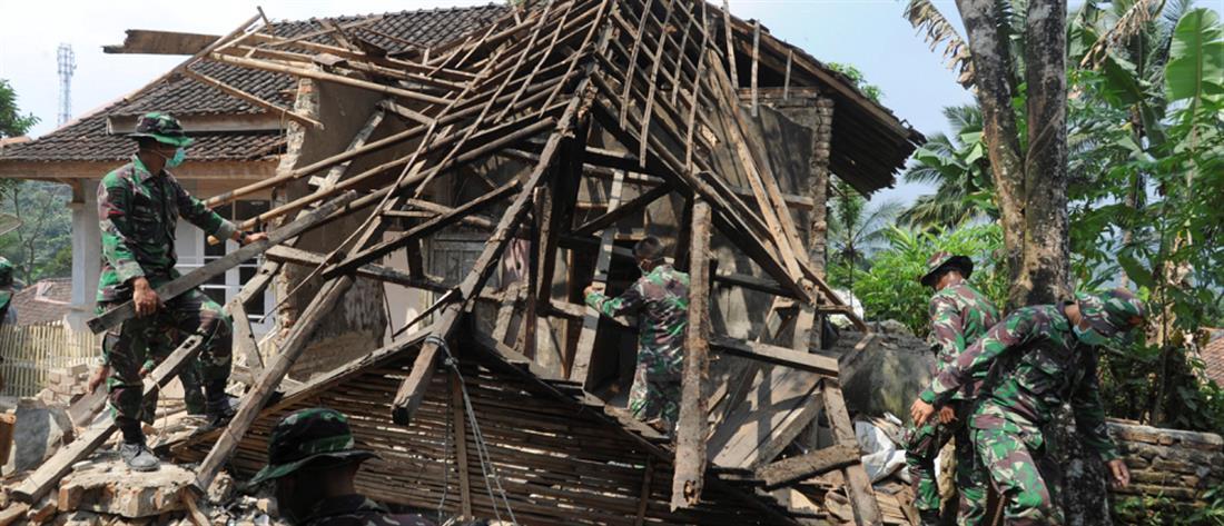 Μετρά νεκρούς από τον σεισμό η Ινδονησία